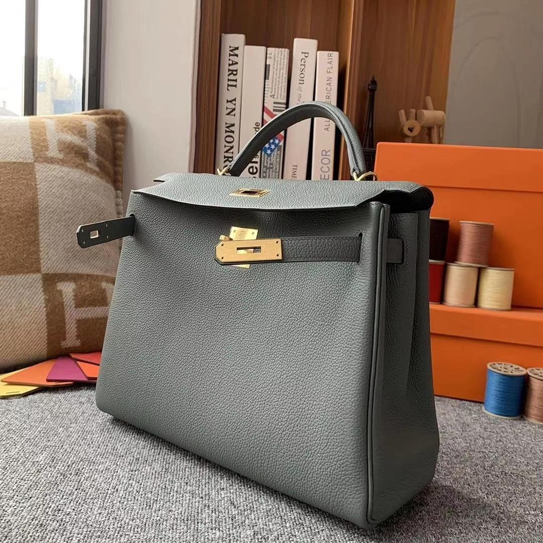 Hermès(爱马仕)杏绿色 原厂御用顶级小牛皮 Kelly 32 金扣