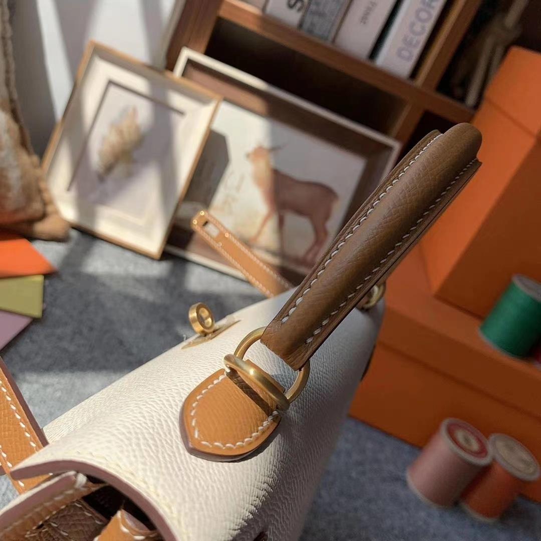 Hermès(爱马仕)奶昔白拼金棕色 原厂御用顶级Epsom 皮 Kelly 25 外缝 金拉丝扣