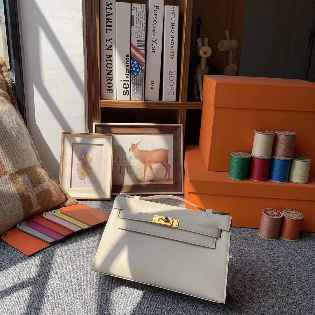 Hermès(爱马仕)奶昔白 原厂御用顶级Swift 皮 Mini Kelly 金扣 银扣 现货