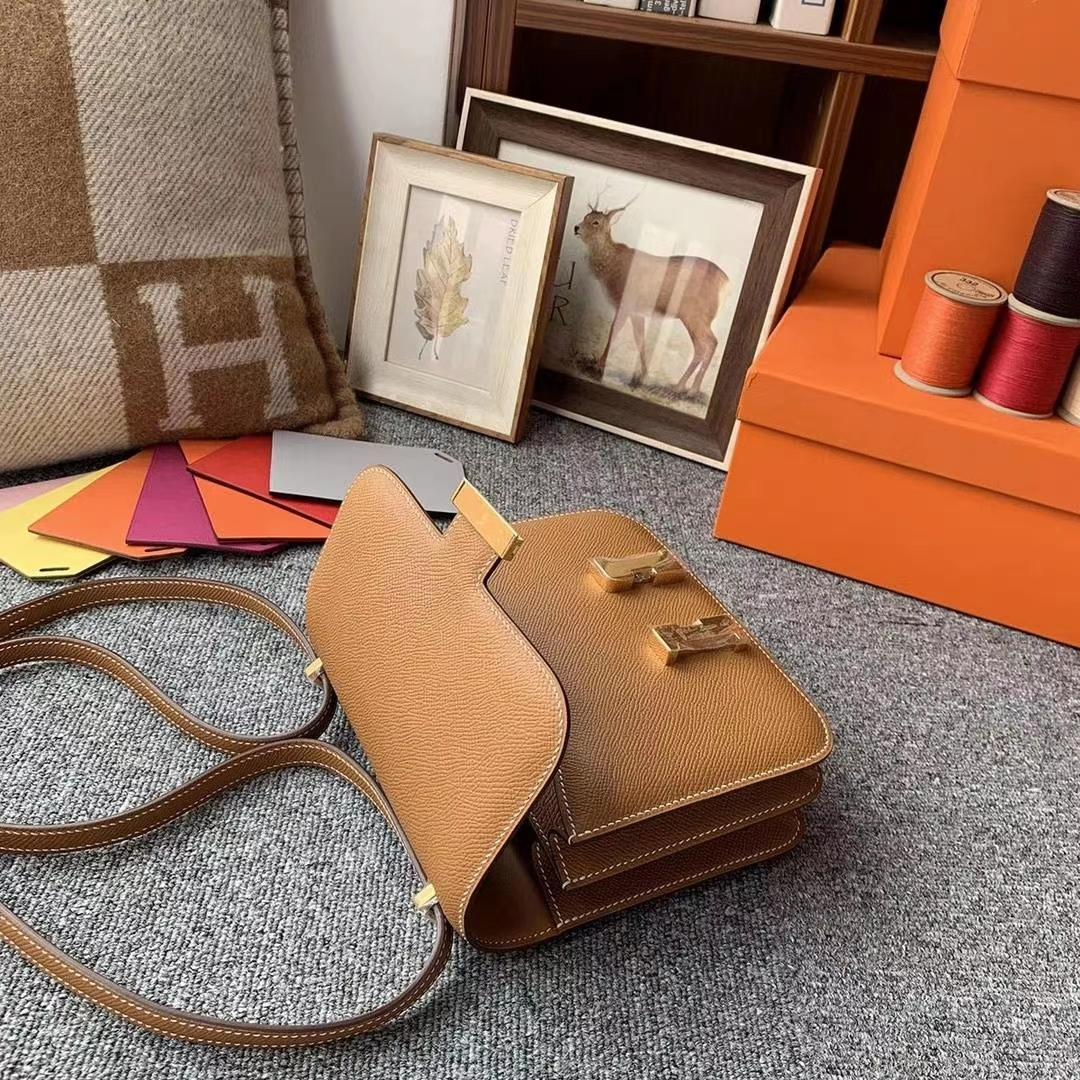 Hermès(爱马仕)C37金棕色 原厂御用顶级Epsom 皮 Constance 19 金扣 银扣