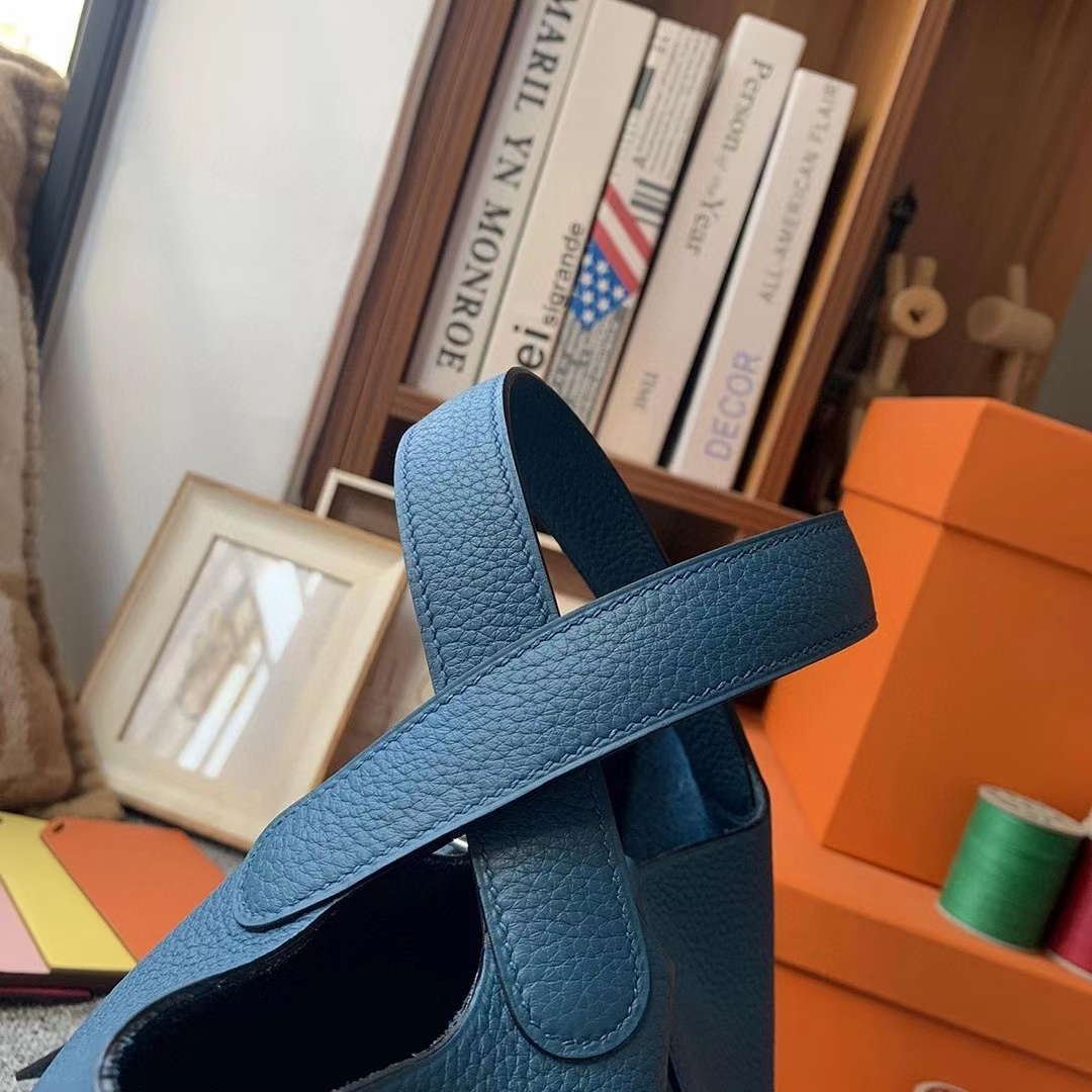Hermès(爱马仕)7W伊兹密尔蓝 原厂御用顶级TC皮 Picotin Lock 18cm 银扣