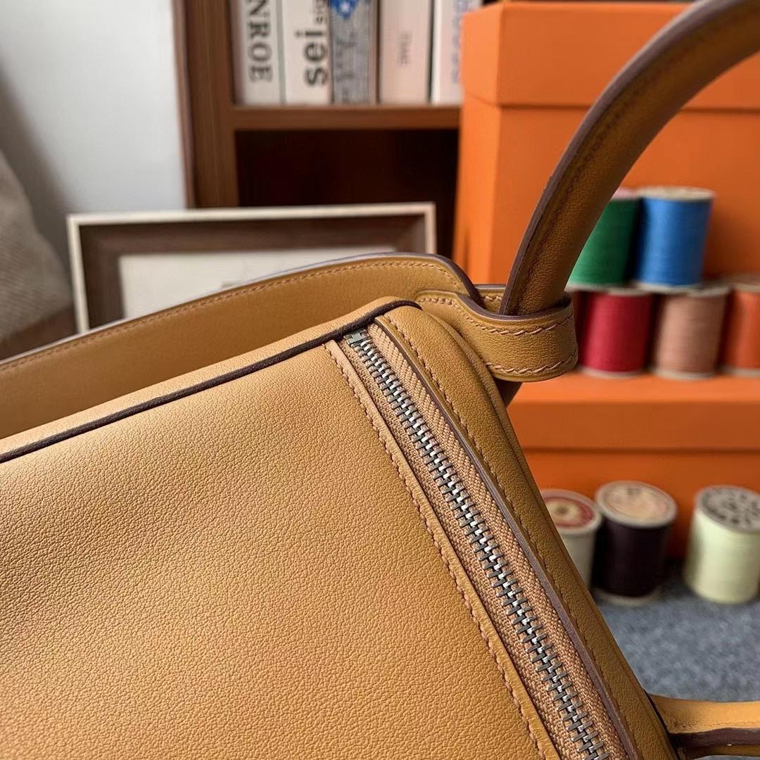 Hermès(爱马仕)芝麻黄拼柠檬黄 原厂御用顶级Swift 皮 Lindy 26 银扣