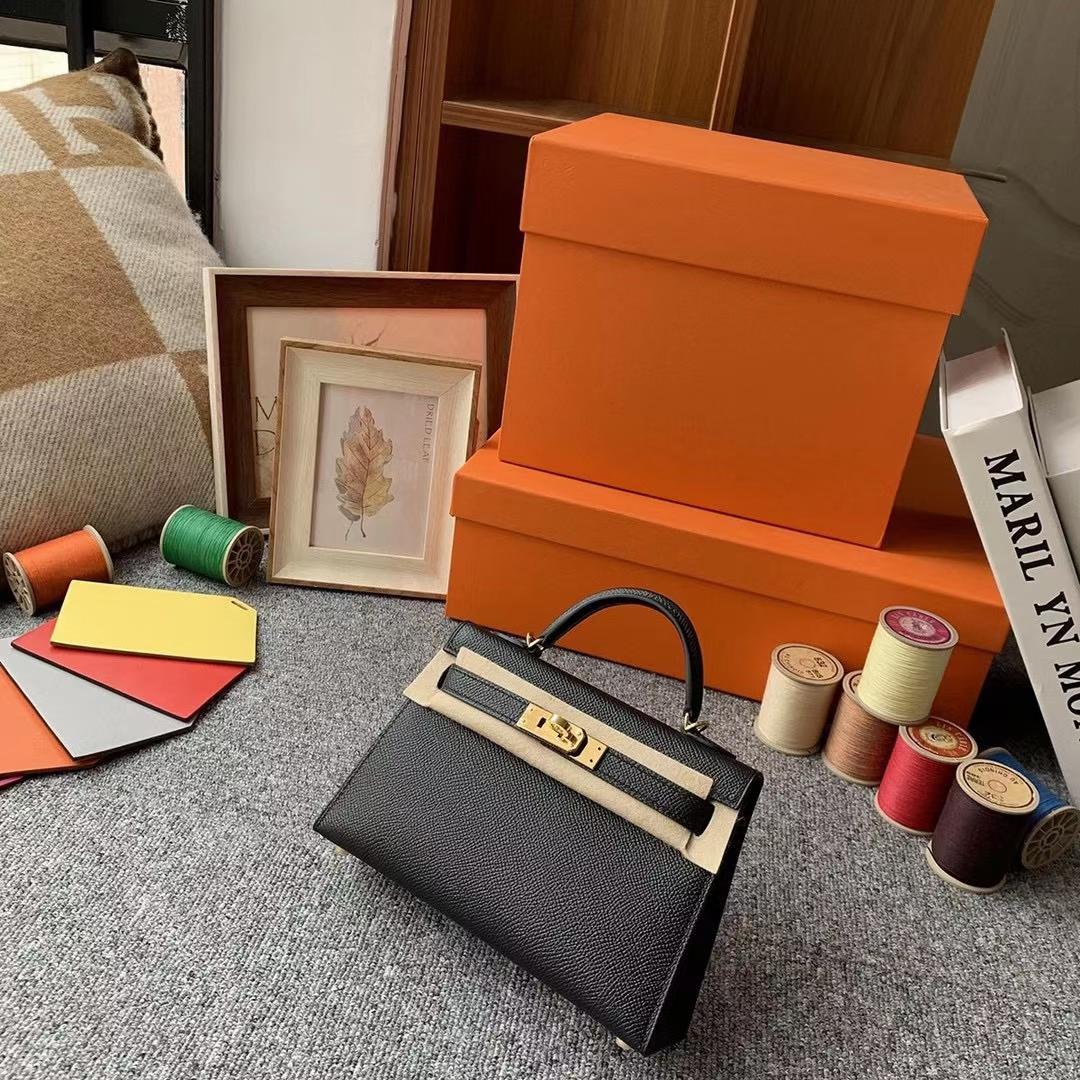 Hermès(爱马仕)Mini Kelly 迷你凯莉 CK89黑色 原厂御用顶级Epsom皮 二代 金扣 银扣 现货