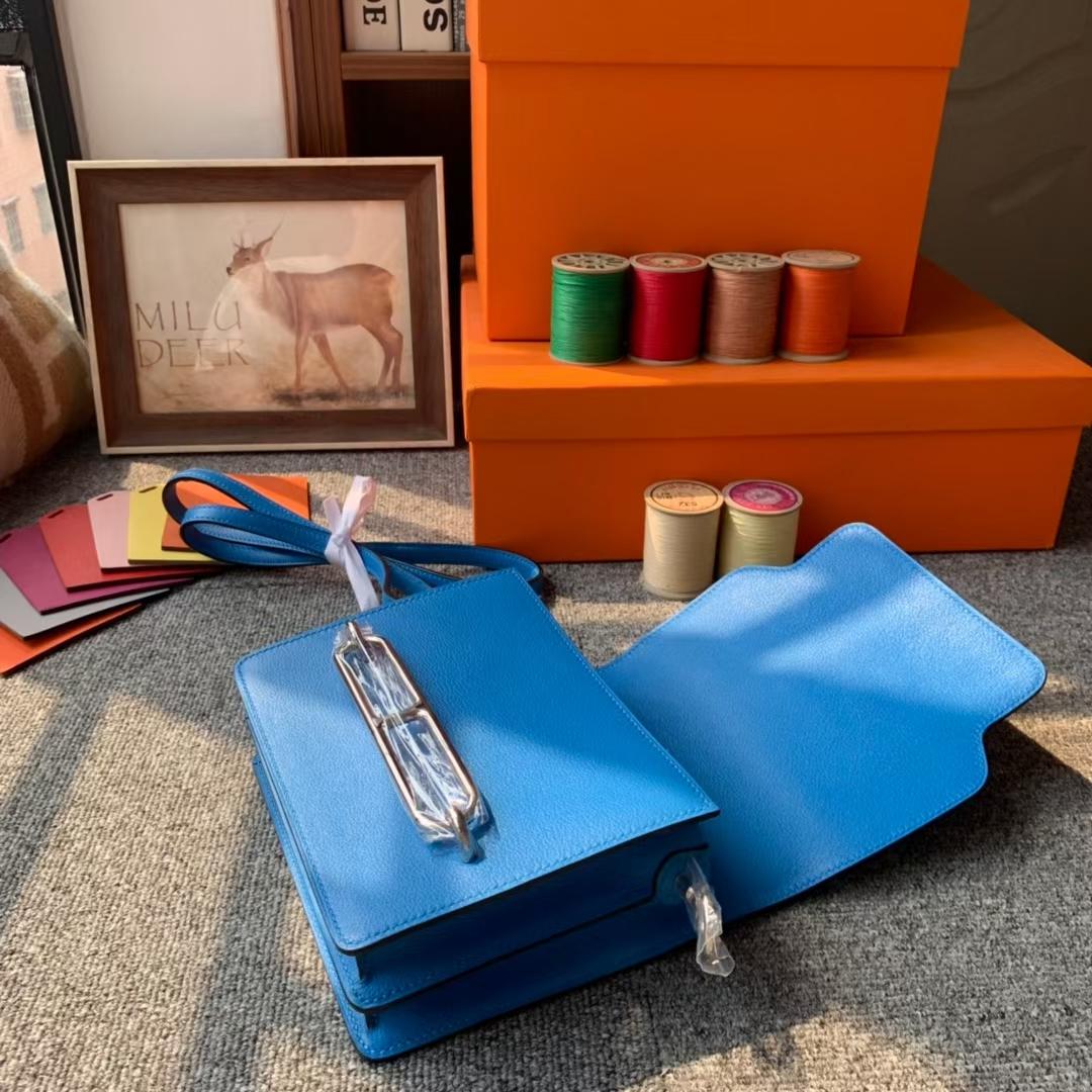 Hermès(爱马仕)Roulis 猪鼻包 水妖蓝 原厂御用顶级Ever color皮 银扣 19 现货