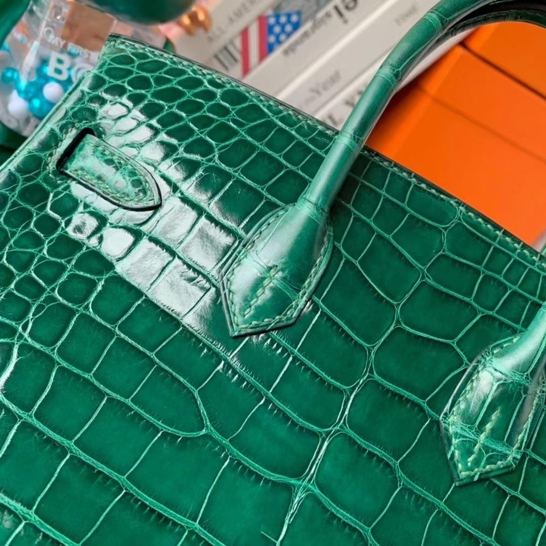 Hermès(爱马仕)Birkin 铂金包 翡翠绿 原厂御用顶级亮面鳄鱼皮 金扣 25cm 现货