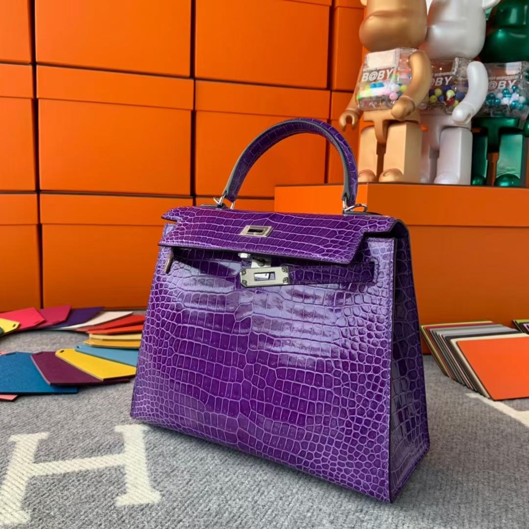 Hermès(爱马仕)Kelly 凯莉包 极度紫 倒v湾鳄 银扣 25cm 现货