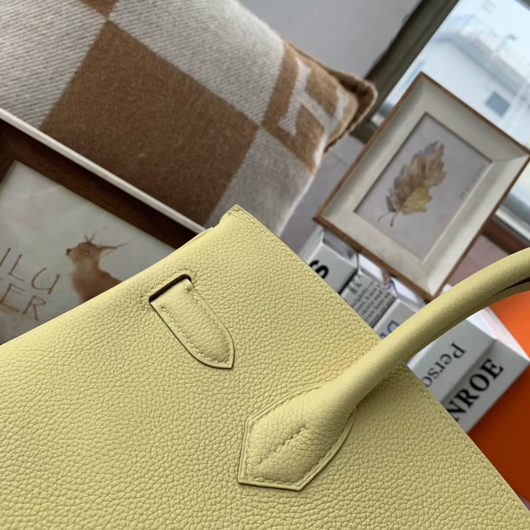 Hermès(爱马仕)Birkin 铂金包 小鸡黄 原厂御用顶级小牛皮 金扣 30cm