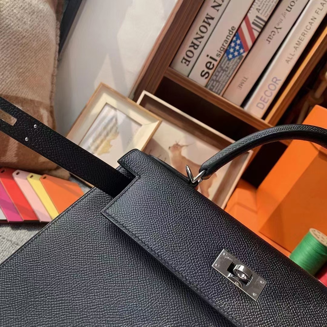 Hermès(爱马仕)Kelly 凯莉包 黑色 原厂御用顶级Epsom 皮 28 外缝 金扣 银扣 现货