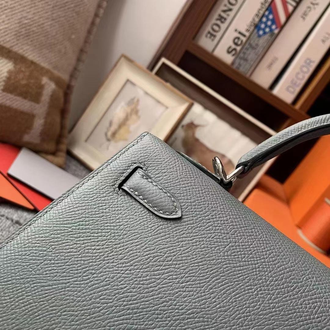 Hermès(爱马仕)Kelly 凯莉包 杏绿色 原厂御用顶级Epsom皮 25 外缝 银扣 现货