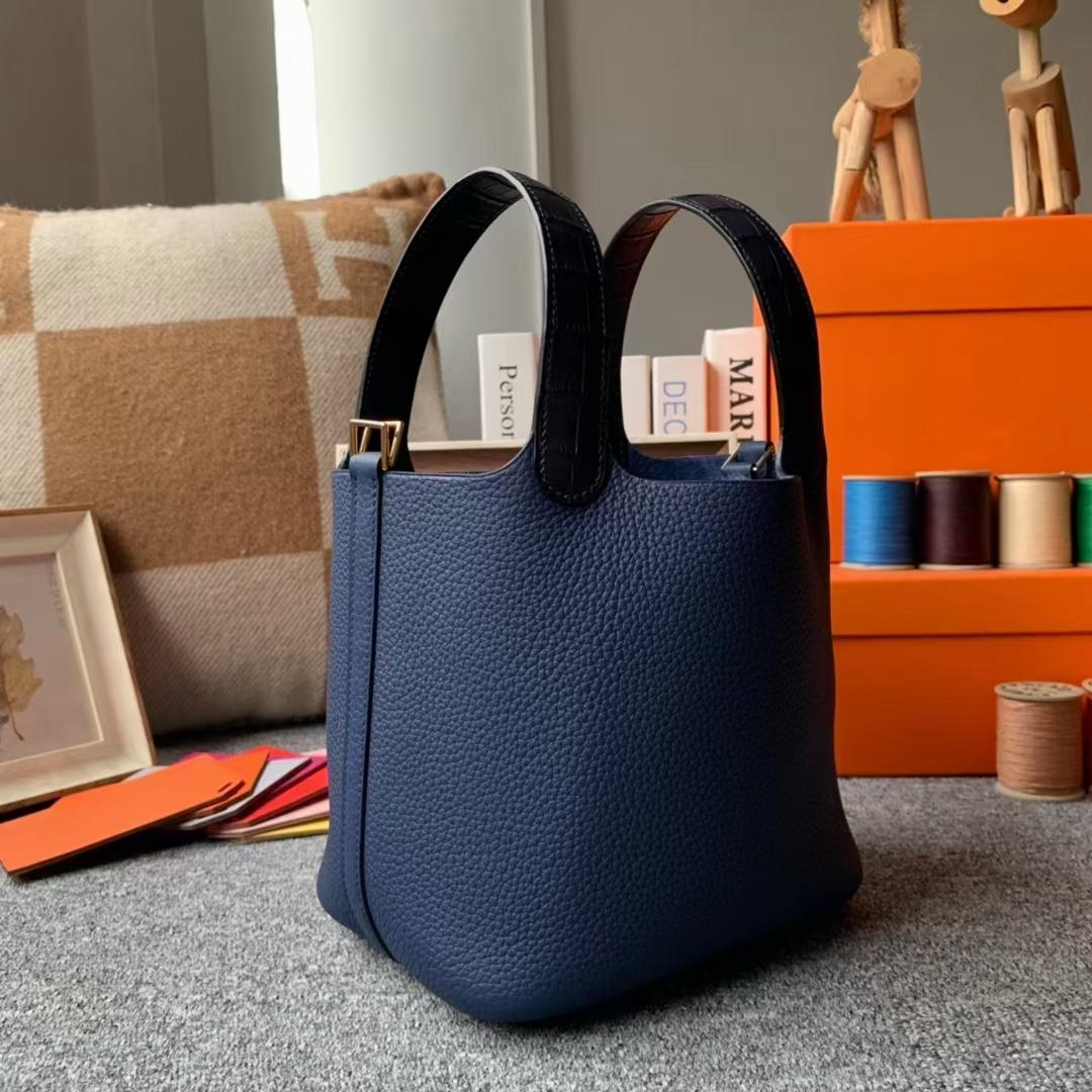 Hermès(爱马仕)Picotin Lock 菜篮子 宝石蓝 鳄鱼手腕 原厂御用顶级TC皮 18cm 金扣