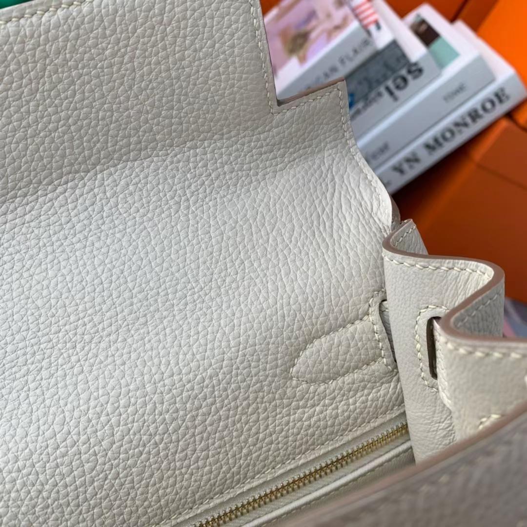 Hermès(爱马仕)Kelly 凯莉包 奶昔白 原厂御用顶级小牛皮 金扣 28cm 现货