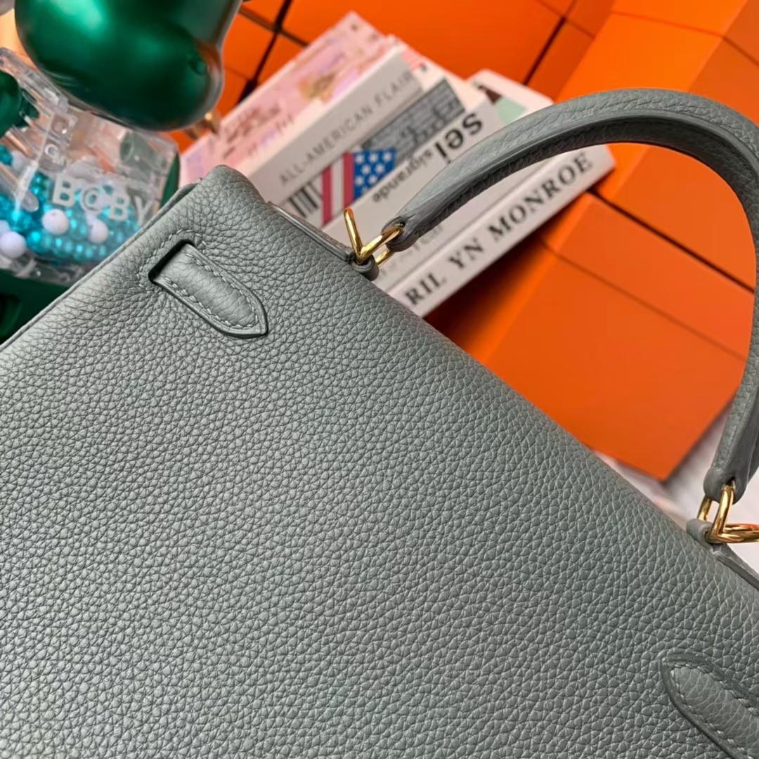 Hermès(爱马仕)Kelly 凯莉包 杏绿色 原厂御用顶级小牛皮 银扣 25cm