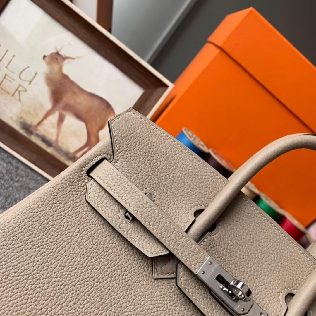 Hermès(爱马仕)Birkin 铂金包 CK81 斑鸠灰 原厂御用顶级小牛皮 银扣 25cm 现货