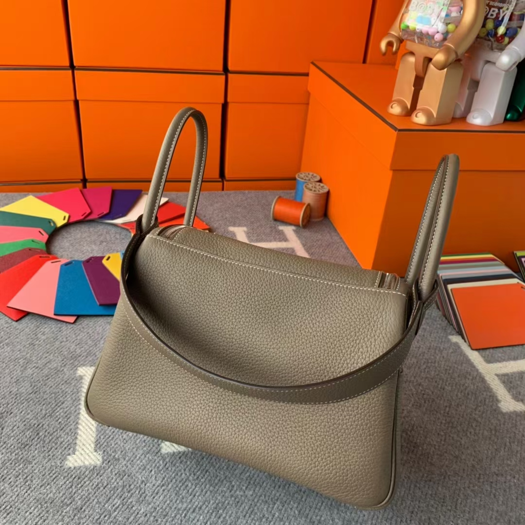 Hermès(爱马仕)Lindy 琳迪包 CK18大象灰 原厂御用顶级TC皮 银扣 26cm 现货