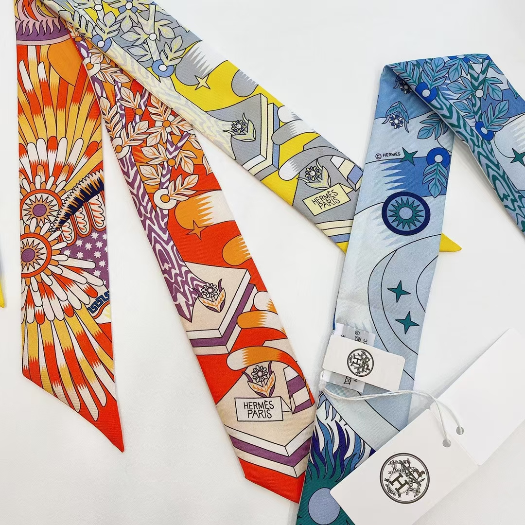 Hermès(爱马仕)新款 丝巾 scarves《飞马之源Twilly》橙色