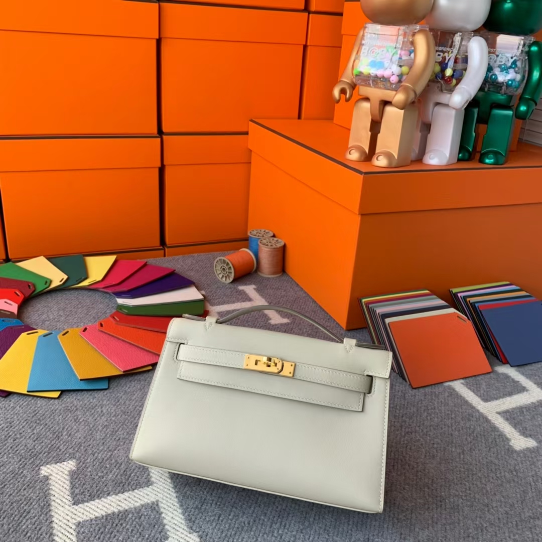 Hermès(爱马仕)Mini Kelly 迷你凯莉 奶昔白 原厂御用顶级Swift 皮 金扣 现货