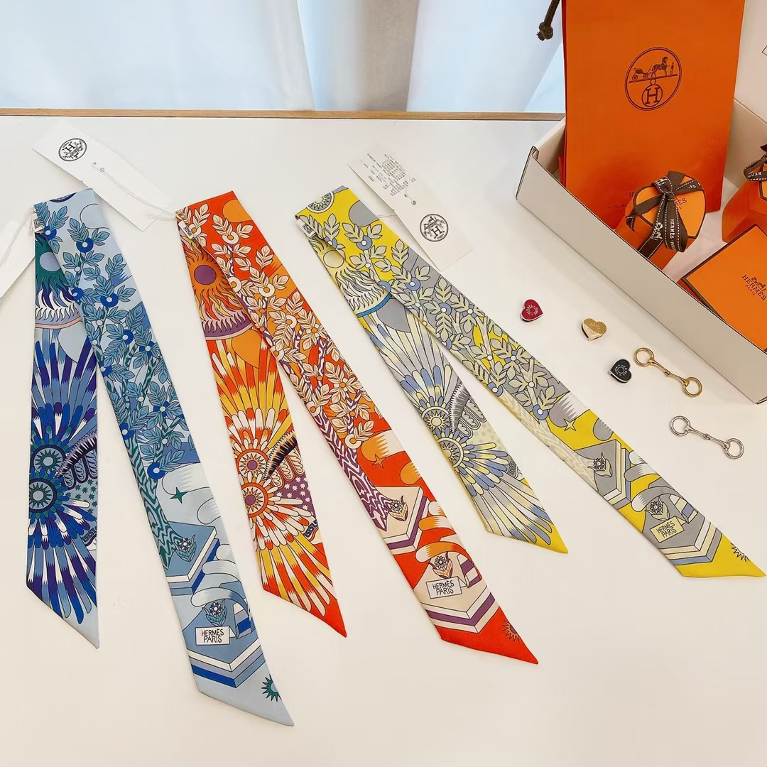 Hermès(爱马仕)新款 丝巾 scarves《飞马之源Twilly》黄色