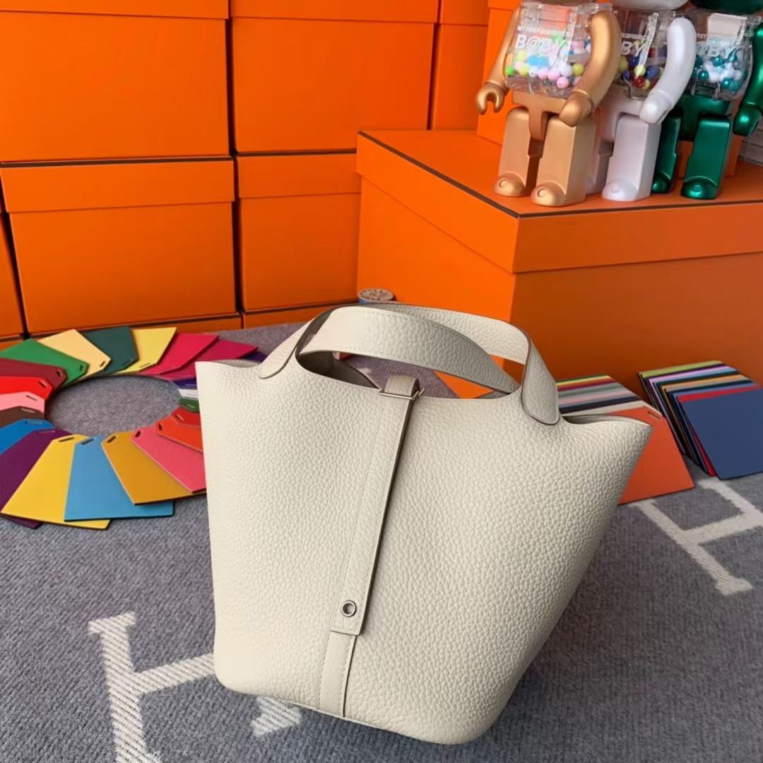 Hermès(爱马仕)Picotin Lock 菜篮子 奶昔白 原厂御用顶级TC皮 金扣 18cm