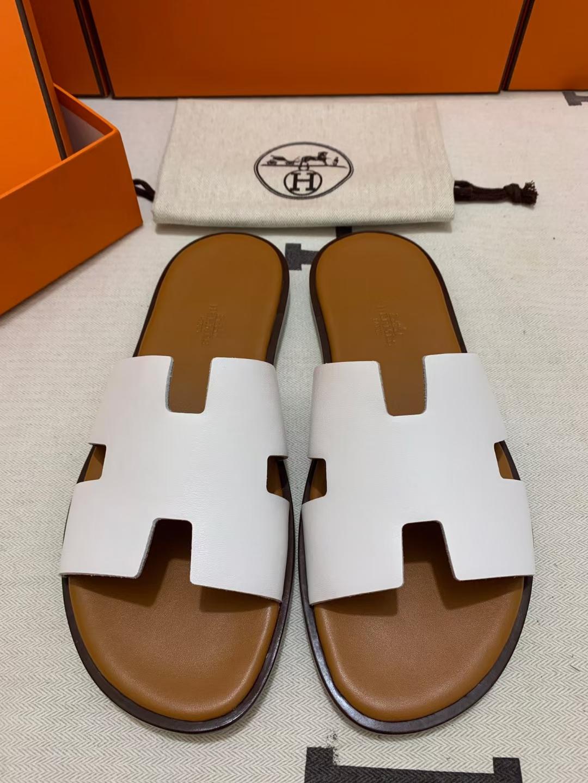 Hermès(爱马仕)新款 男拖 swift 白 浅棕垫咖底