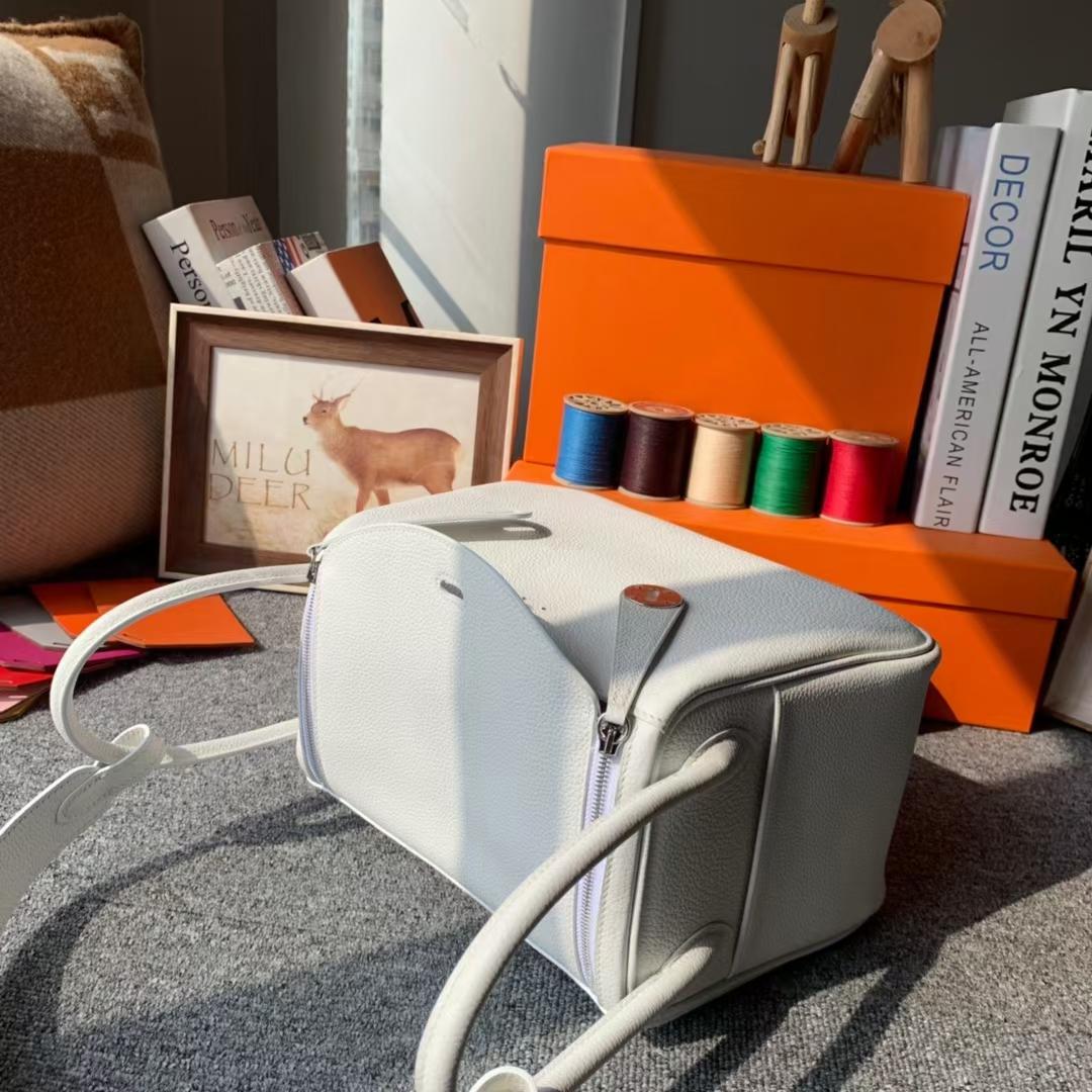 Hermès(爱马仕)Lindy 琳迪包 纯白色 原厂御用顶级小牛皮 银扣 26cm