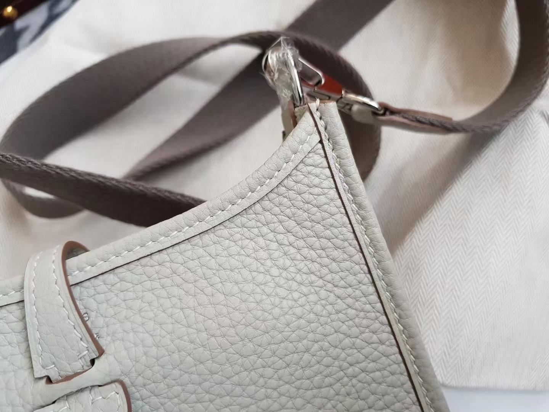 Hermès(爱马仕)mini Evelyne 迷你 伊芙琳 TC皮 Q1 Sauge 鼠尾草灰 银扣 17cm